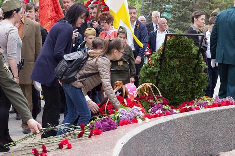 Праздник Великой Победы отметили торжественным митингом и возложением цветов