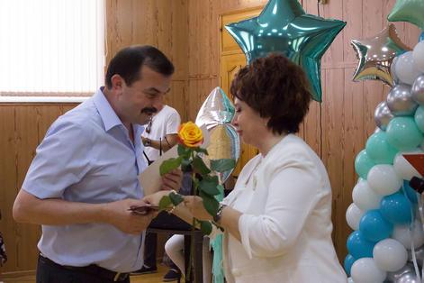 Медработников поздравили с профессиональным праздником